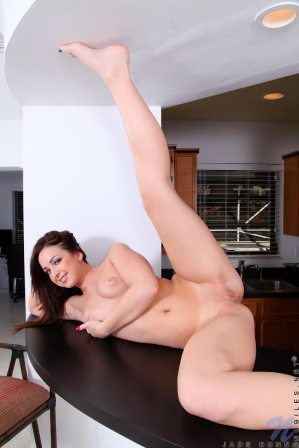112 600x900 Livingroom Striptease